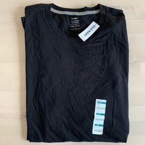 Men's Old Navy black t-shirt